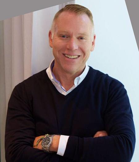 Simon Tooley – Créateur de la Marque et Propriétaire de la Boutique Etiket