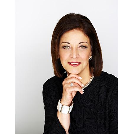 Karyn Khoury – Première VP, développement international des fragrances, Estée Lauder