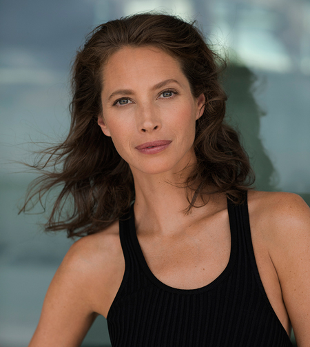 Christy Turlington Burns – Égérie de Blue Therapy de Biotherm