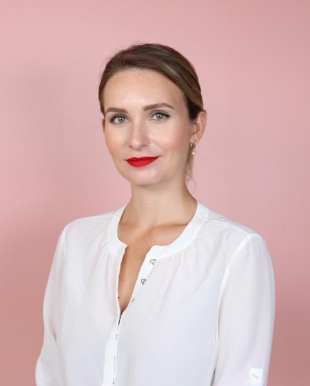 Chloe Smith – Responsable Nationale des Communications Scientifiques et Éducatives – SkinCeuticals Canada
