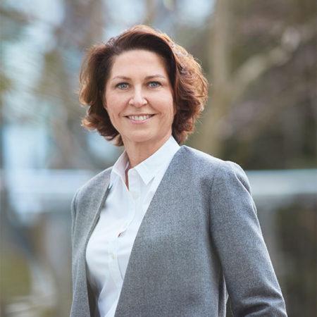 Marie-Hélène Lair, Directrice de la Communication Scientifique Internationale de Clarins