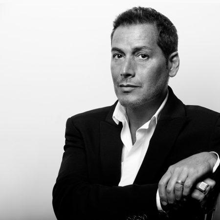 Éric Antoniotti – Directeur Artistique et de la Formation Internationale pour Clarins